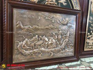 Tranh Bát Tiên Quá Hải chạm tinh xảo bằng đồng liền tấm, chạm hình 8 vị tiên quá hải là bức tranh phong thủy vô cùng ý nghĩa.
