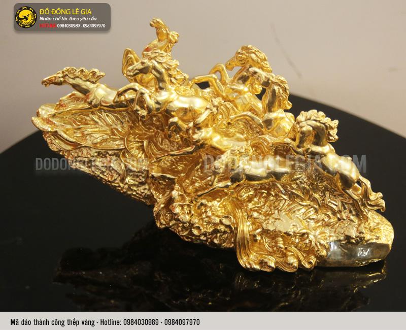 tượng mã đáo thành công thếp vàng